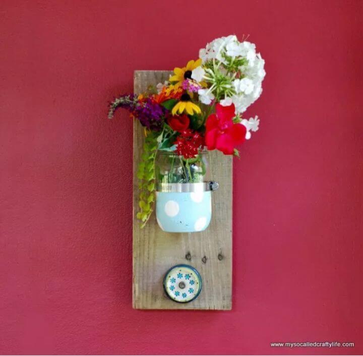 Adorable DIY Mason Jar Reclaimed Wood Wall Hanging