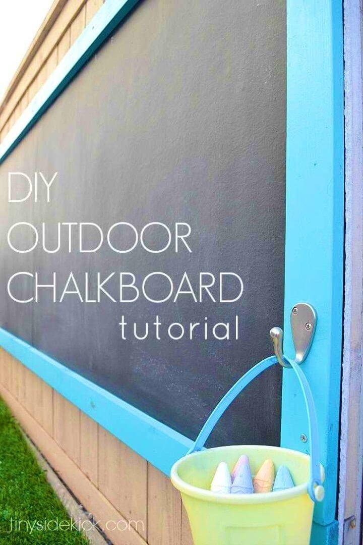 Adorable DIY Outdoor Chalkboard