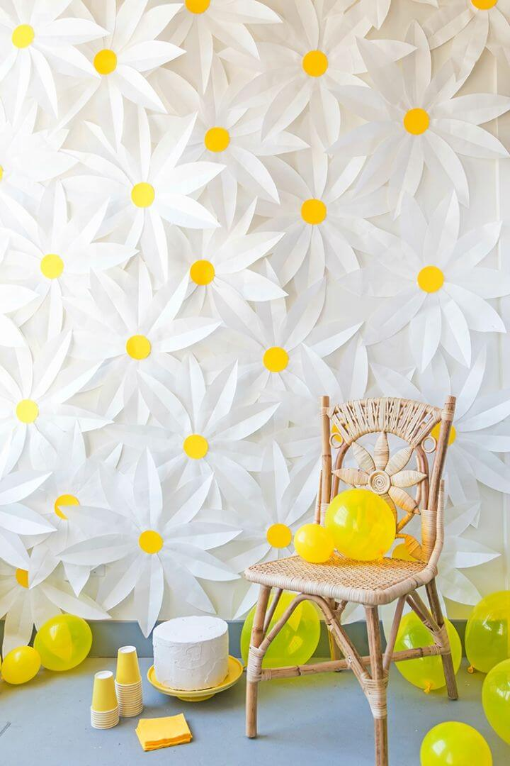Adorable DIY Paper Daisy Backdrop