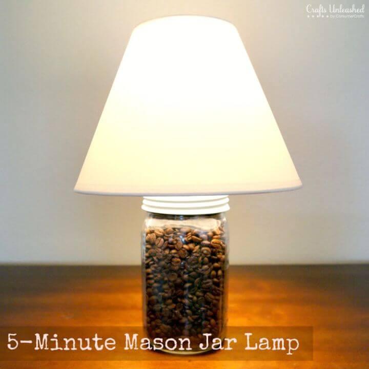 Amazing DIY minute Mason Jar Lamp