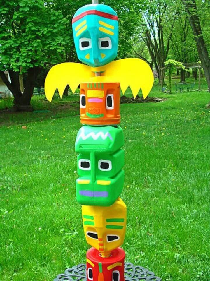 Amazing DIY Totem Pole