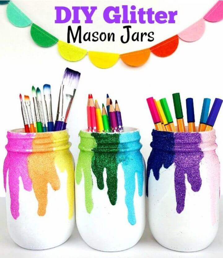 Awesome DIY Glitter Mason Jars Craft