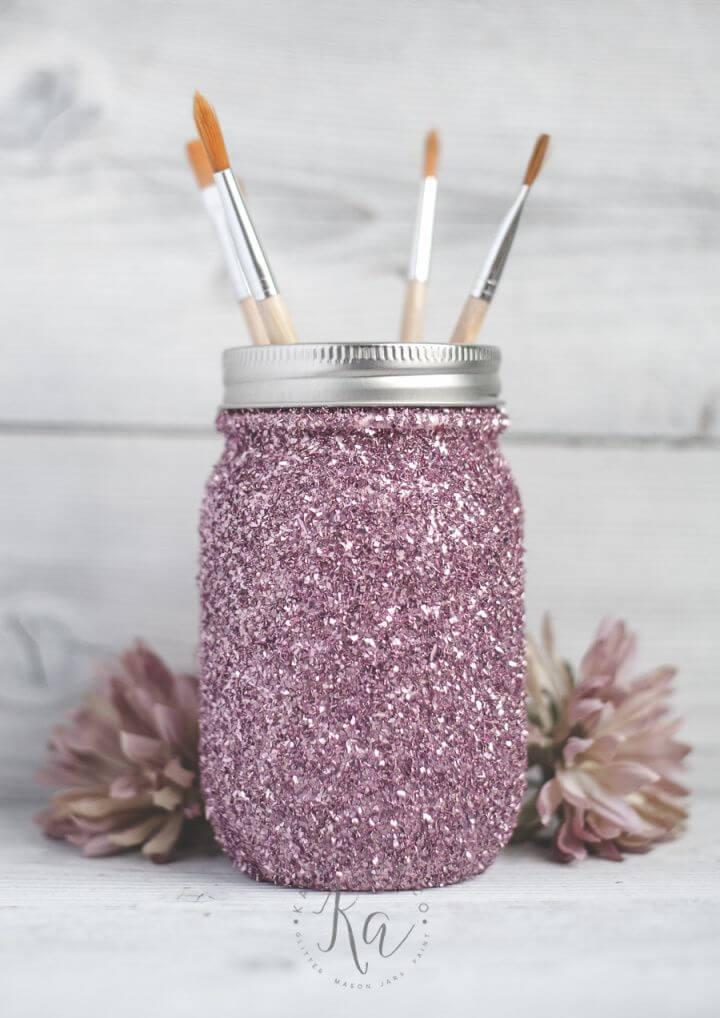 Beautiful DIY Glitter Mason Jar