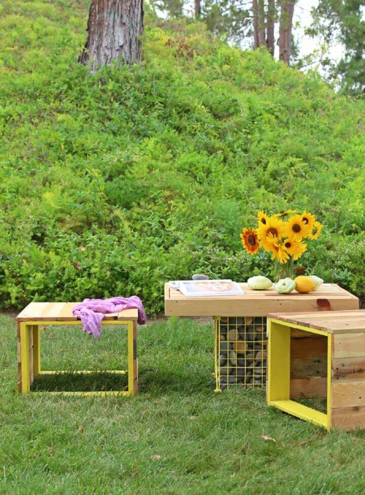 Build Pallet Coffee Table and Bench