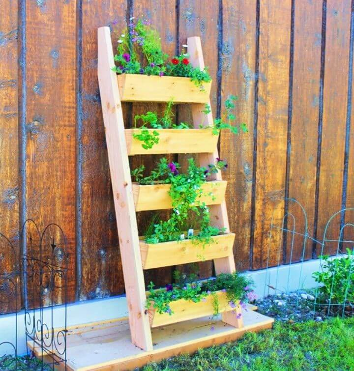 DIY Backyard Cedar Vertical Tiered Ladder Garden Planter