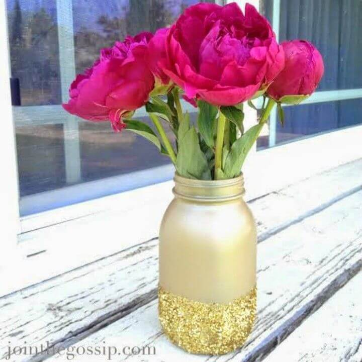DIY Glitter Mason Jar Vase Tutorial