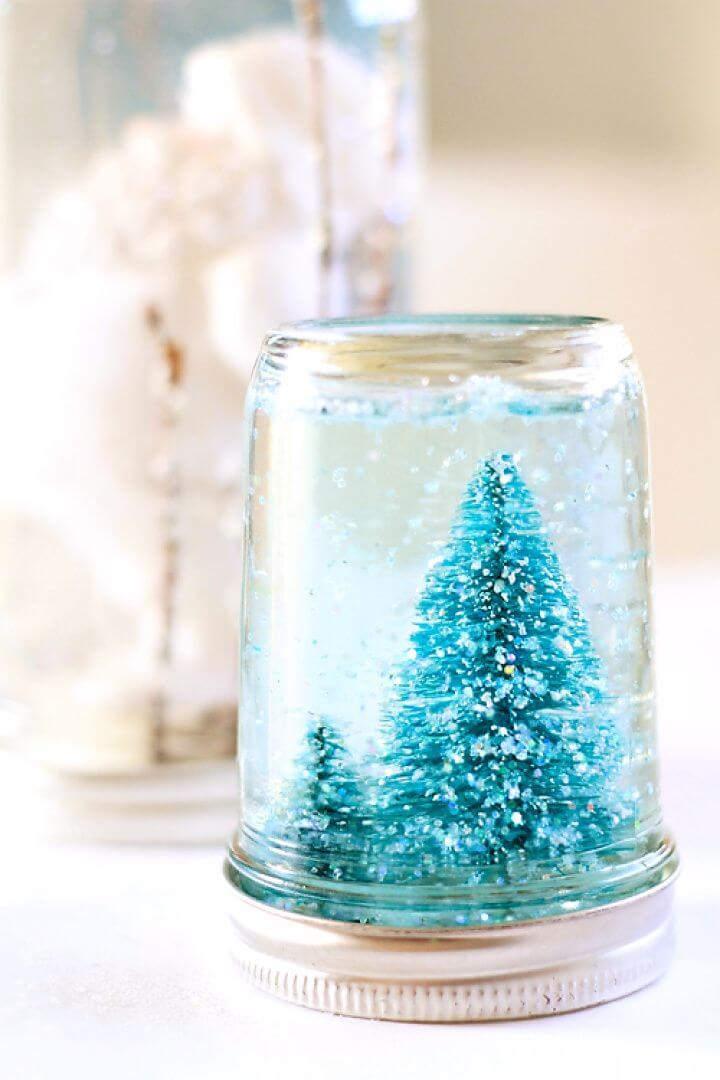 DIY Mason Jar Snow Globe Tutorial