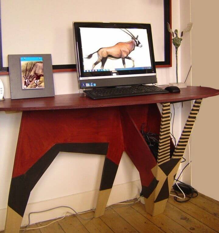 DIY Oryx Desk to Organize Your Home Office