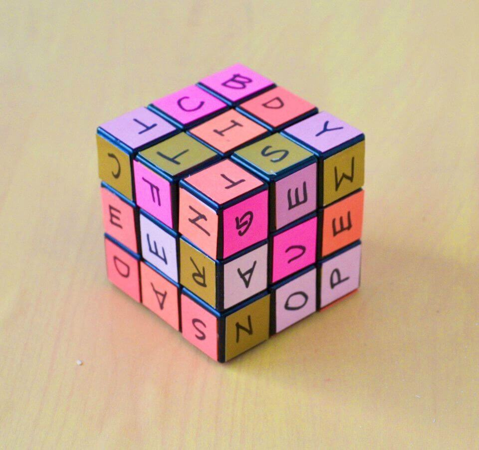 DIY Rubik's Cube Word Learning Game