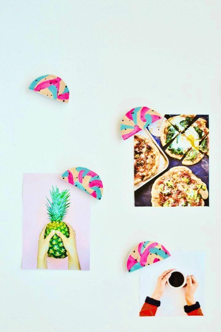 Easy DIY Color Block Magnets, DIY, easy DIY, quick DIY, cheap DIY projects, DIY color blocks, color blocks, DIY color block art, color block technique, DIY magnets, gift ideas, DIY home decor, DIY fridge magnets.