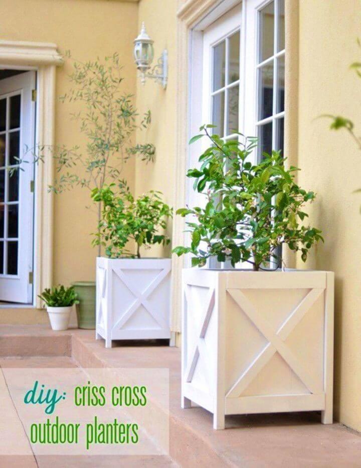 Easy DIY Criss Cross Outdoor Planters