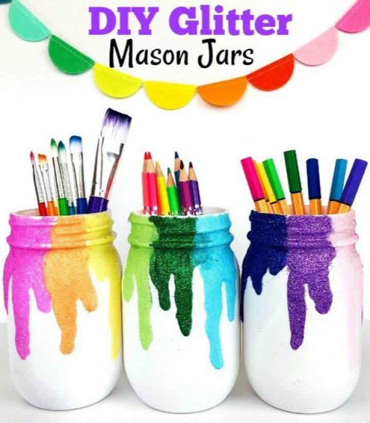 Easy DIY Glitter Mason Jars Craft