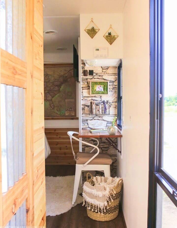 Easy DIY Reclaimed Wall Mounted Desk