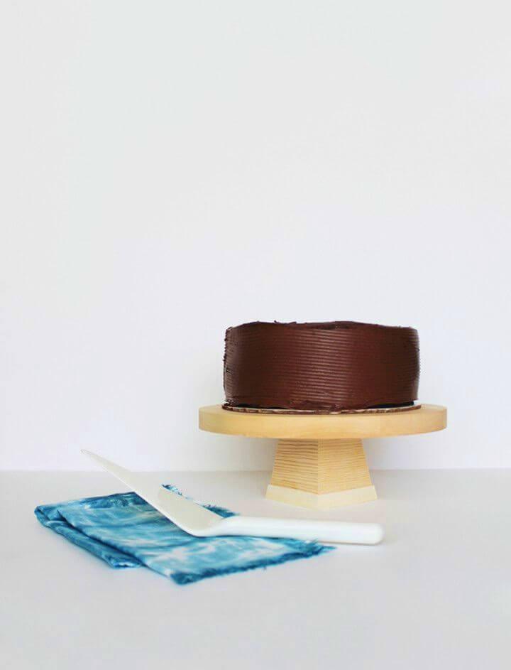 Easy DIY Wood Cake Stand