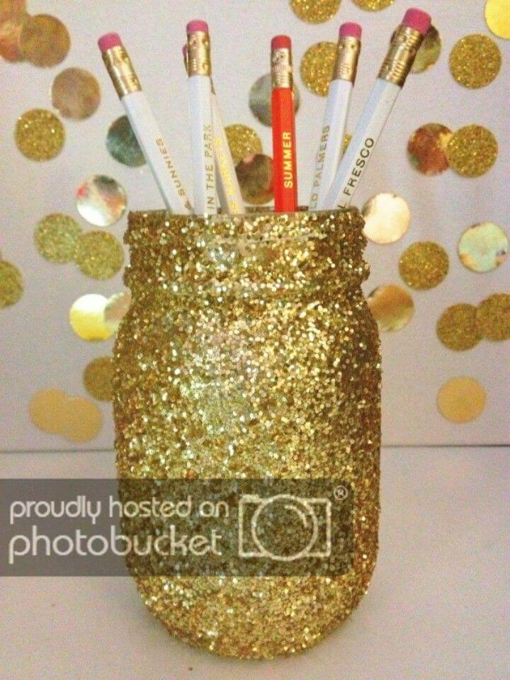 How to DIY Glitter Mason Jar
