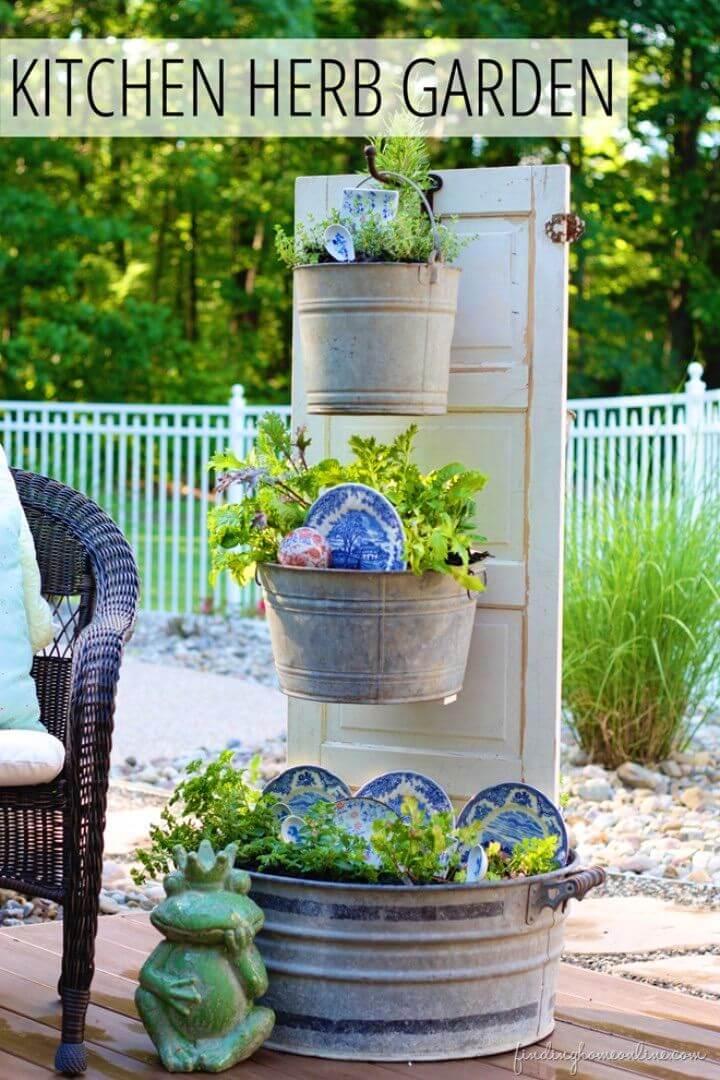 How to Make Backyard Kitchen Herb Garden