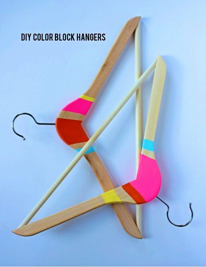 How to Make Color Block Hangers, DIY, easy DIY, quick DIY, cheap DIY projects, DIY color blocks, color blocks, DIY hangers, DIY color block hangers.