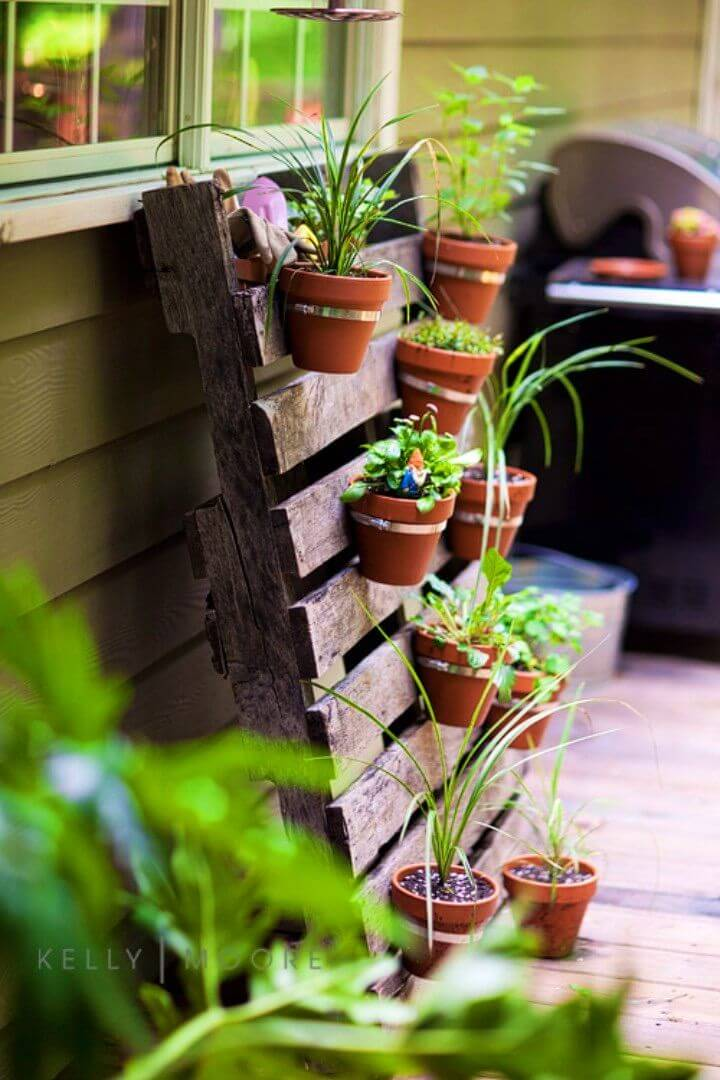 How to Turn Pallet into Herb Garden