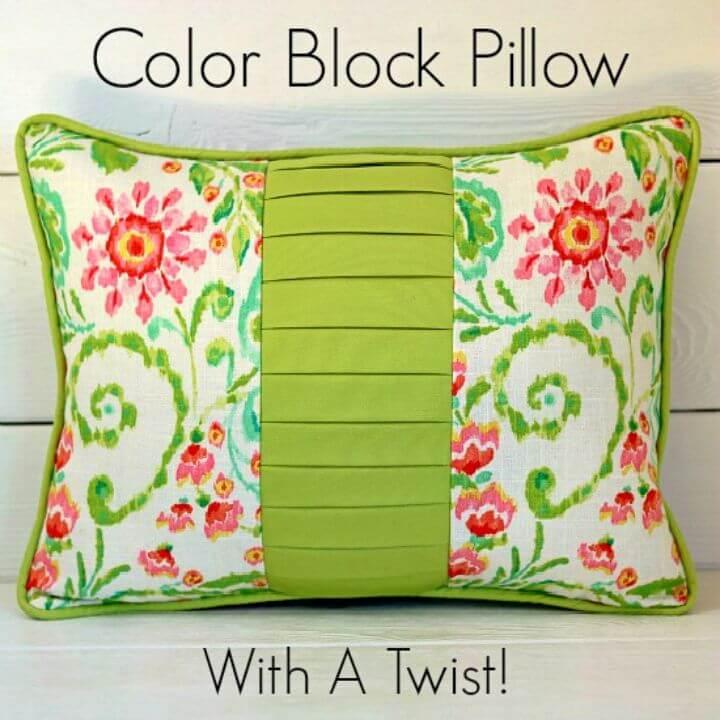 Pretty DIY Color Block Pillow, DIY, easy DIY, quick DIY, cheap DIY projects, DIY color blocks, color blocks, DIY color block pillow, DIY pillow, color block technique, adorable pillow, colorful pillow.