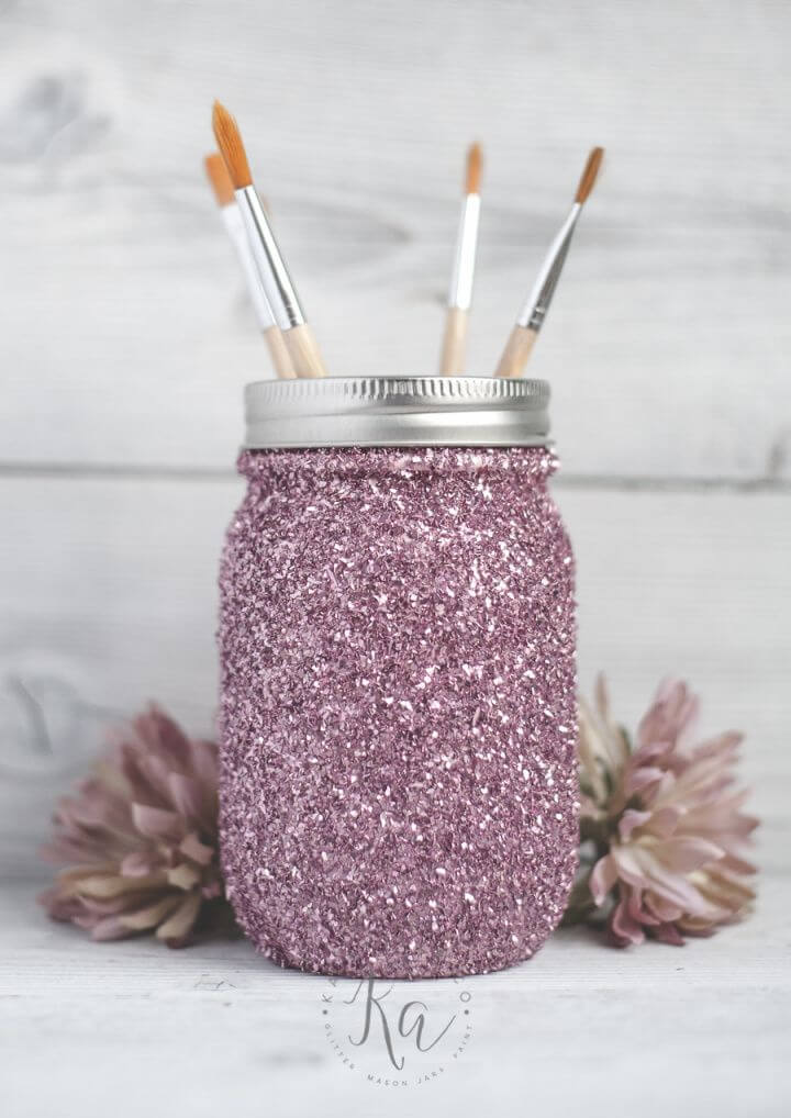 Pretty DIY Glitter Mason Jar