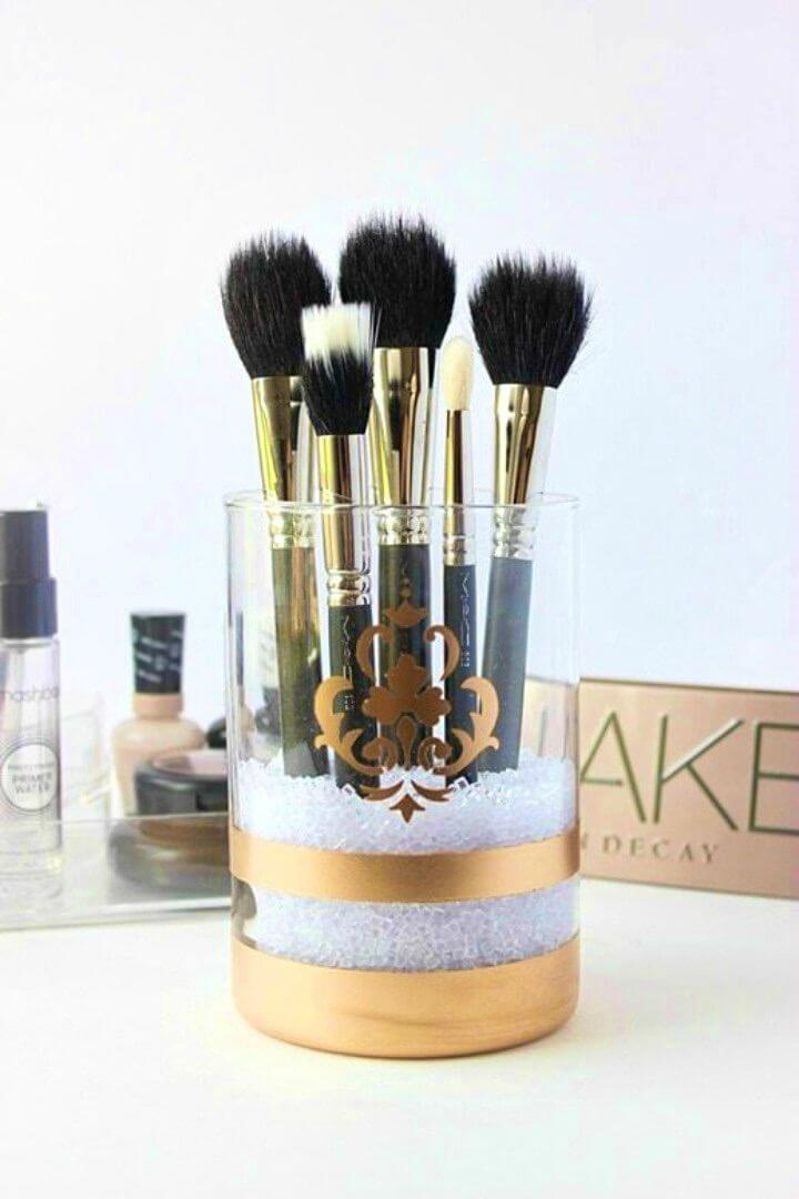 Pretty DIY Gold Spray Painted Makeup Brush Holder