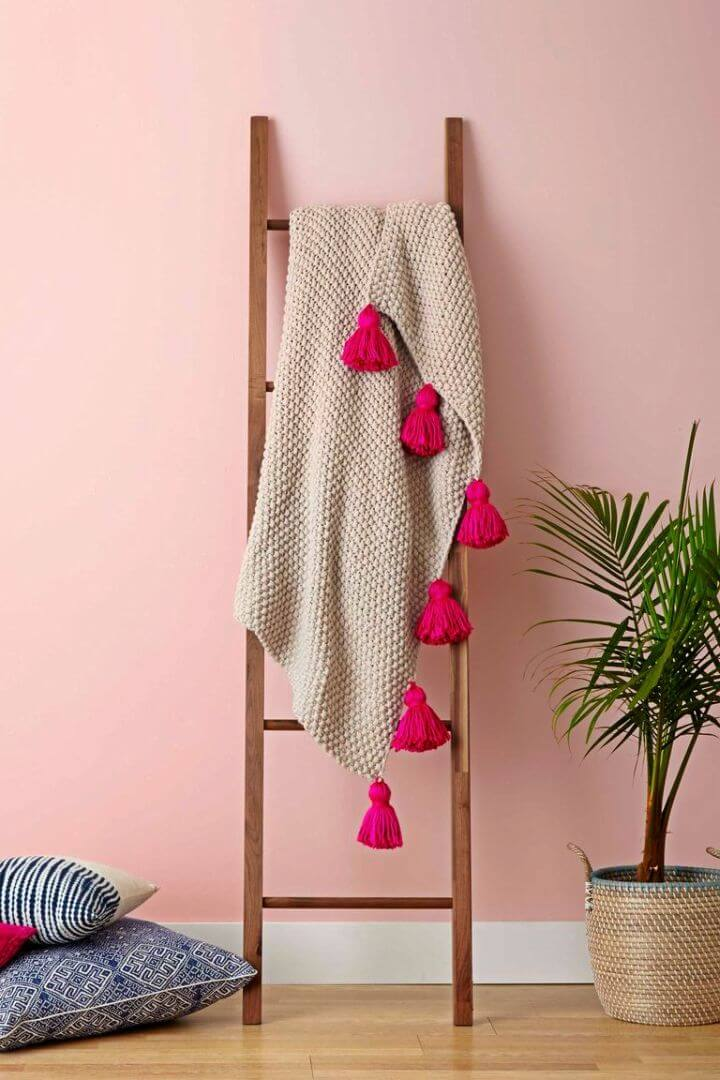 Pretty DIY Tassel Throw Blanket