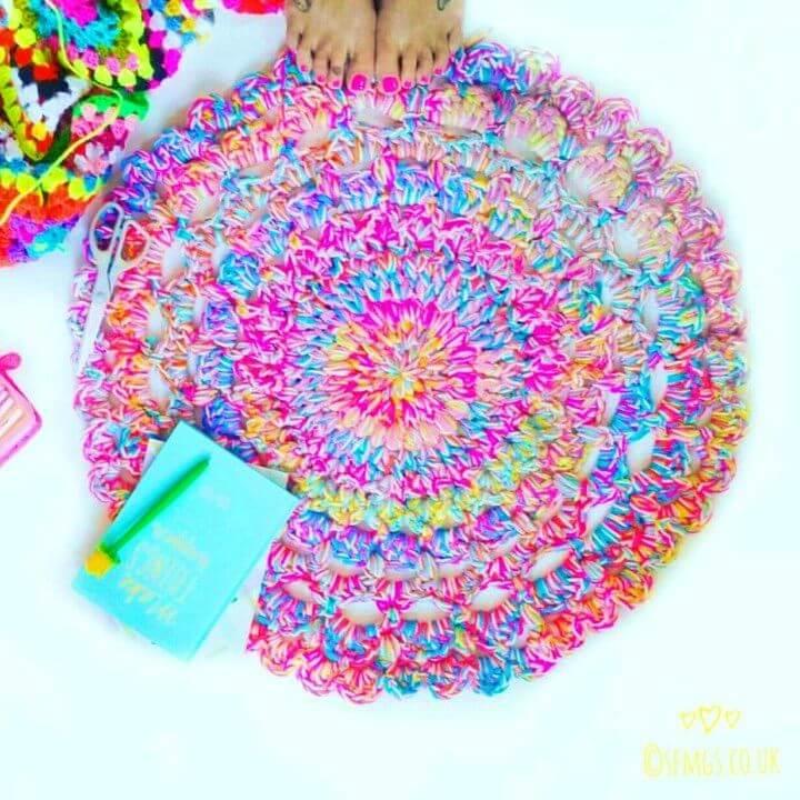 Pretty DIY Unicorn Yarn Doily Rug
