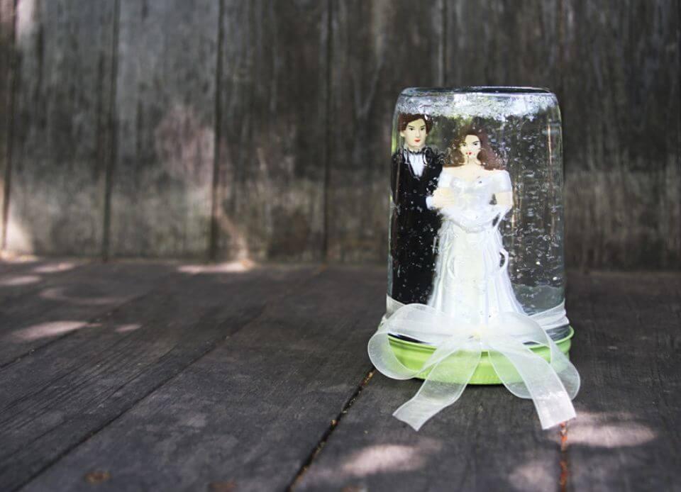 Pretty DIY Wedding Mason Jar Snow Globe