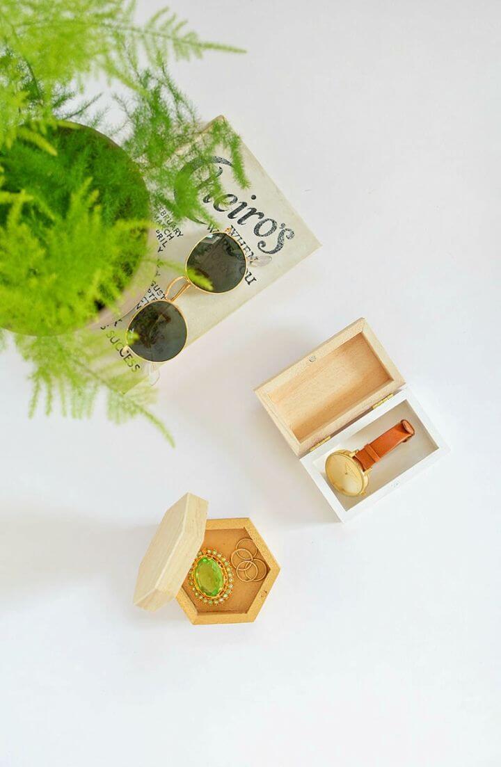 Quick DIY Colour Block Jewellery Boxes, DIY, easy DIY, quick DIY, cheap DIY projects, DIY color blocks, color blocks, DIY color block jewelry boxes, color block technique, DIY jewelry box, gift ideas, DIY home decor, DIY box.