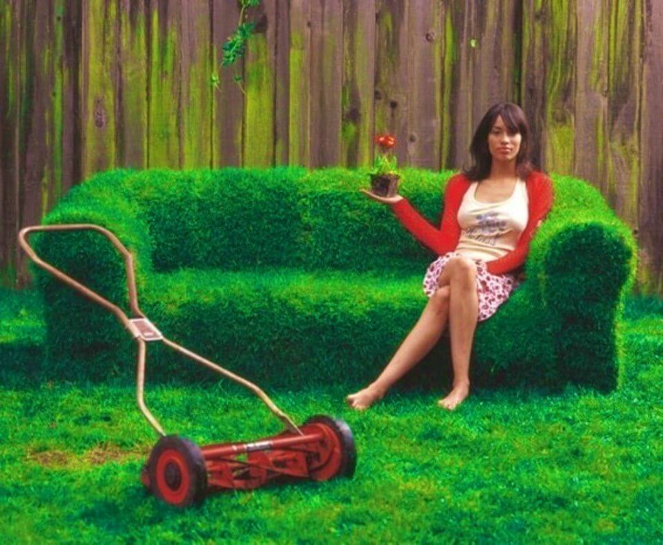 Seriously Cool DIY Backyard Sprout a Sofa