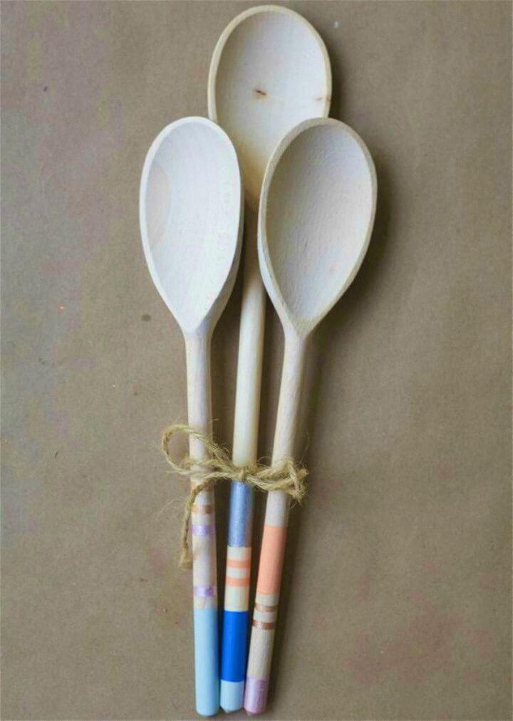 Simple DIY Color Block Wooden Spoons, DIY, easy DIY, quick DIY, cheap DIY projects, DIY color blocks, color blocks, DIY color block spoons, DIY wooden spoons, DIY spoon.