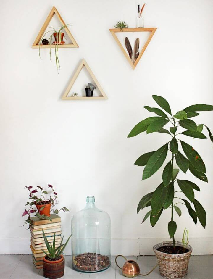 Awesome DIY Wooden Triangle Shelves