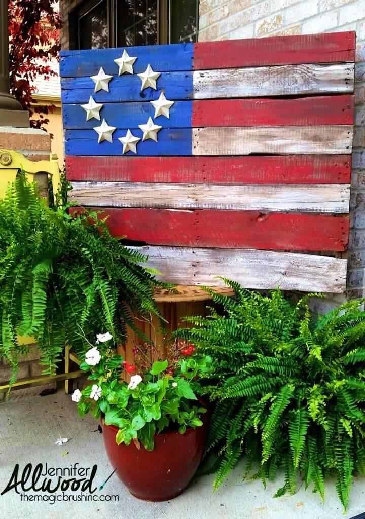 DIY Patriotic Pallet Flags