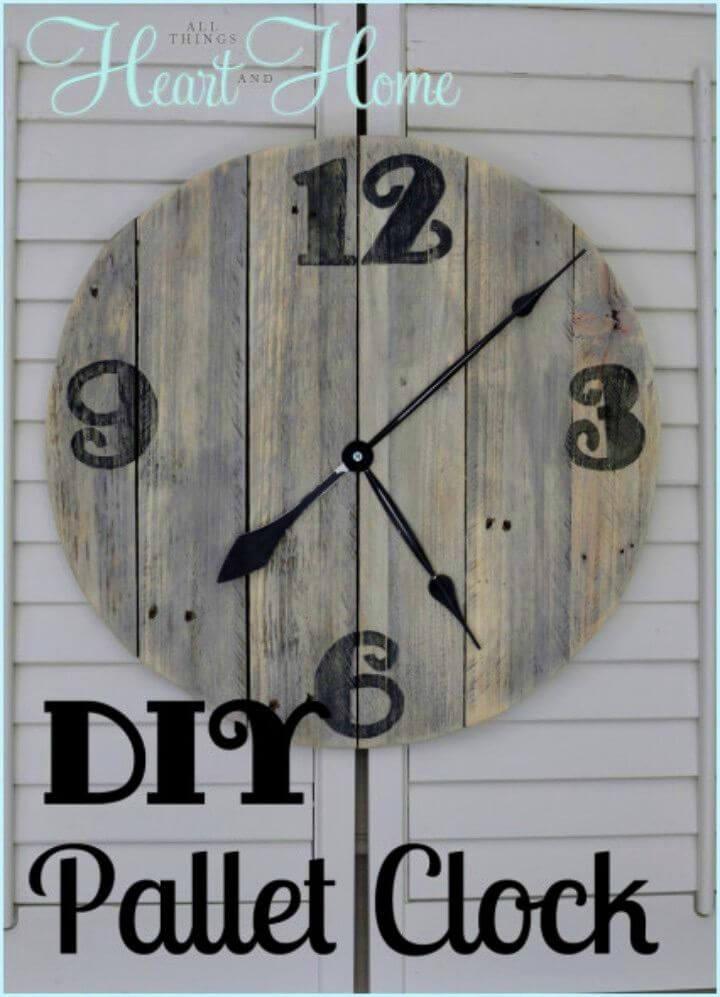 Easiest DIY Outdoor Pallet Wood Clock