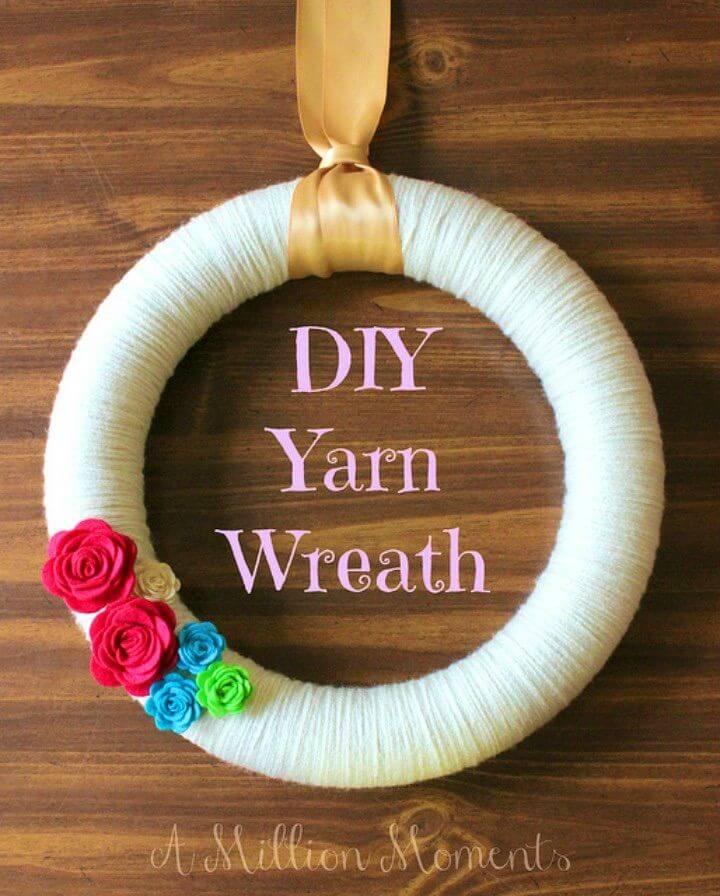 Easy to Make a Yarn Wreath