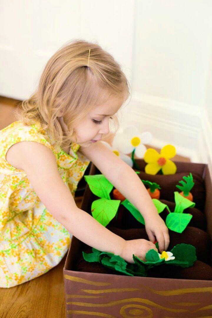 Gorgeous DIY Plantable Felt Garden Box