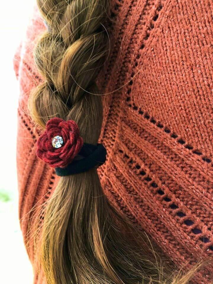 How to DIY Felt Flower Hair Ties