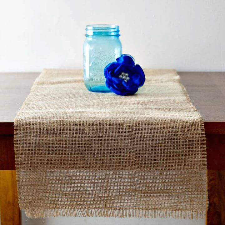 How to Make Burlap Table Runners