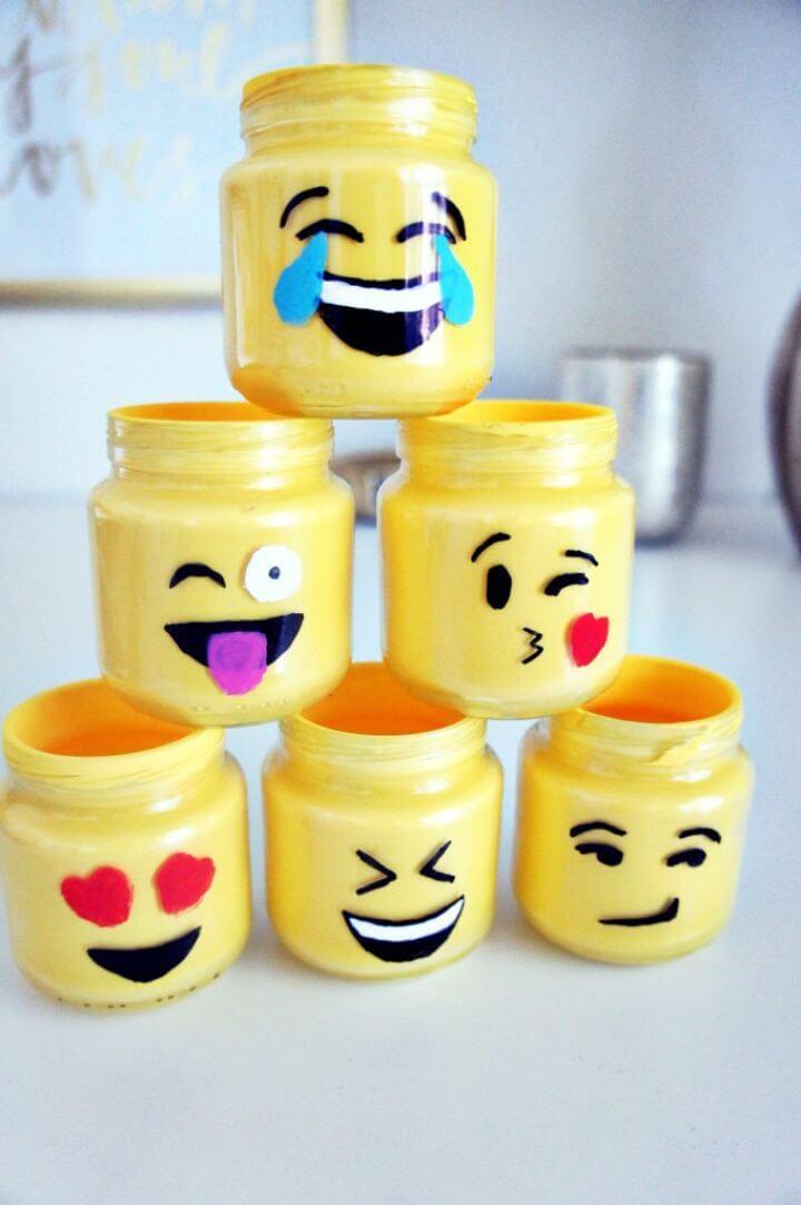 How to Make Emoji Mason Jars