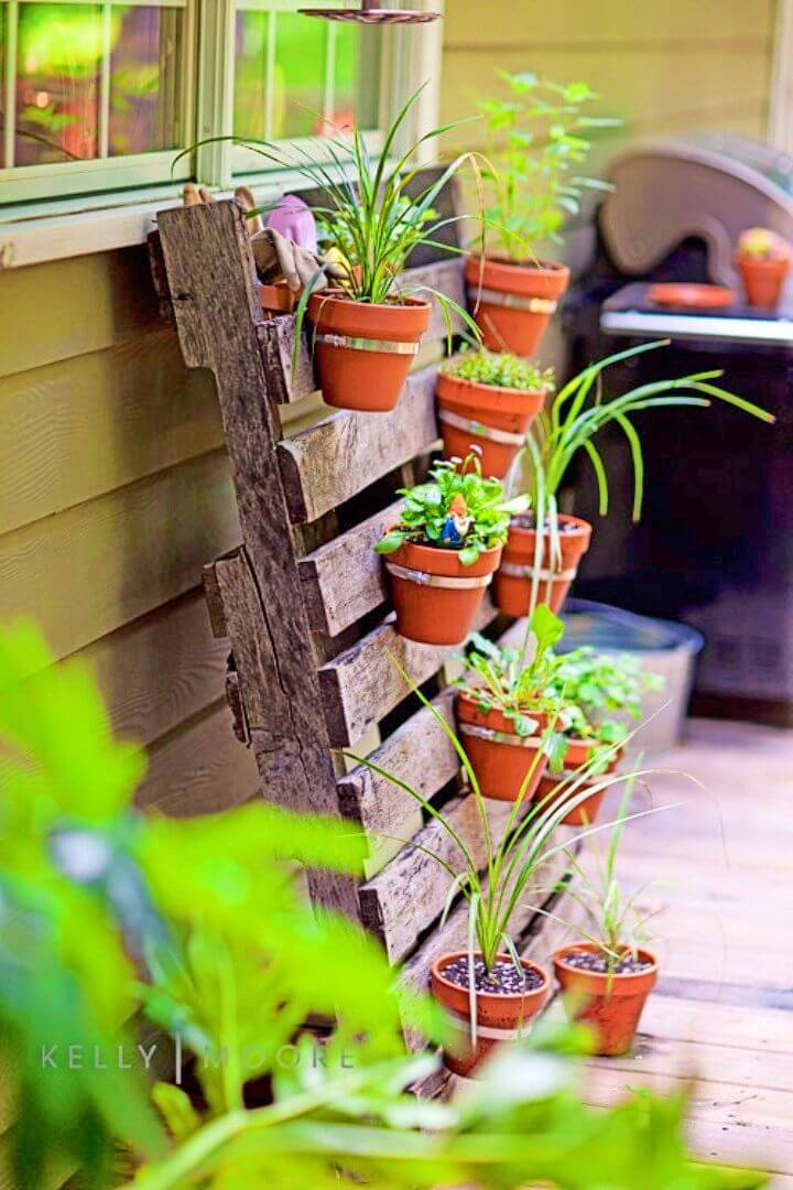 How to Make Pallet Planter