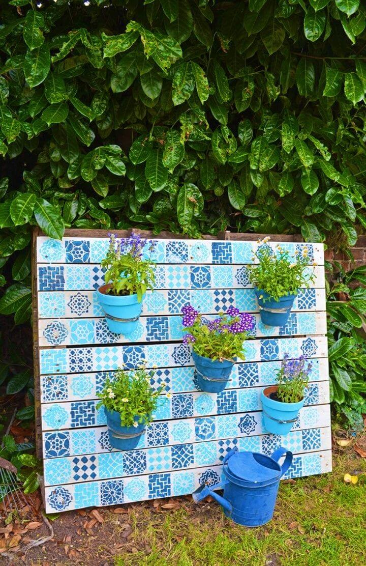 Moroccan Style DIY Painted Wood Pallet Planter