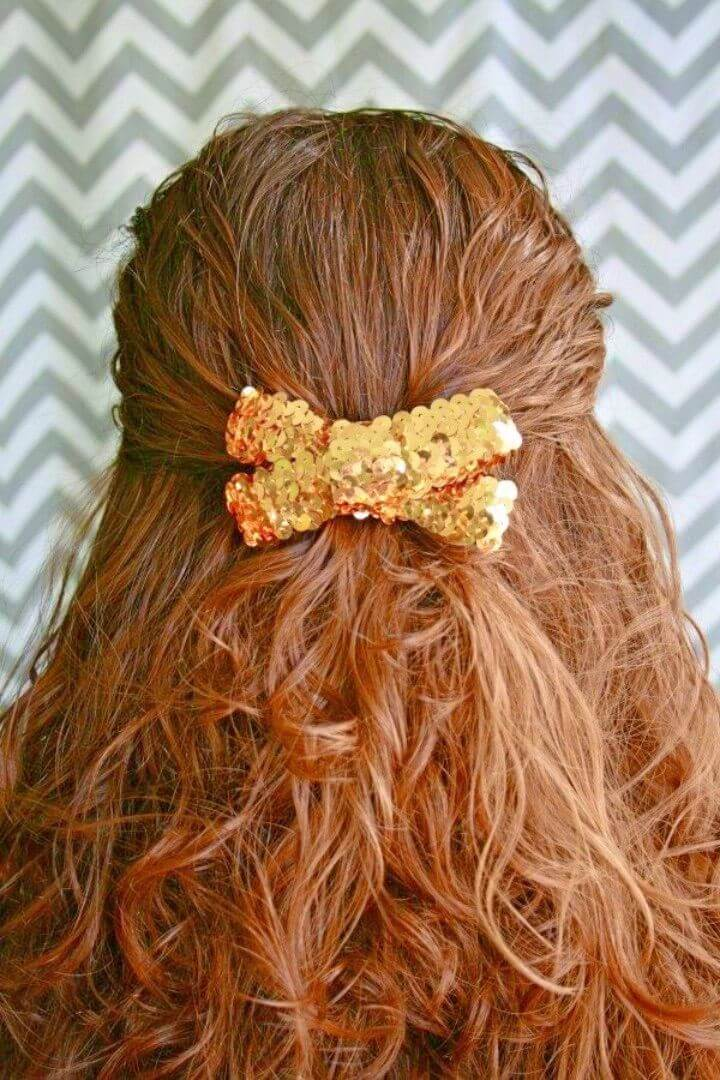Quick DIY Gold Sequin Hair Bow