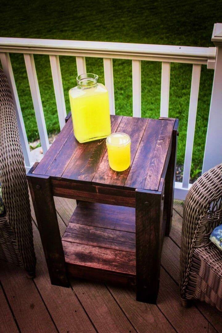 Simple to Make Pallet End Table